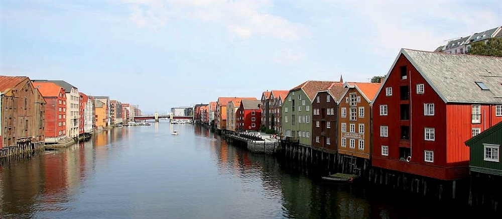 The old wharves along the River Nidelva in Trondheim. Photo