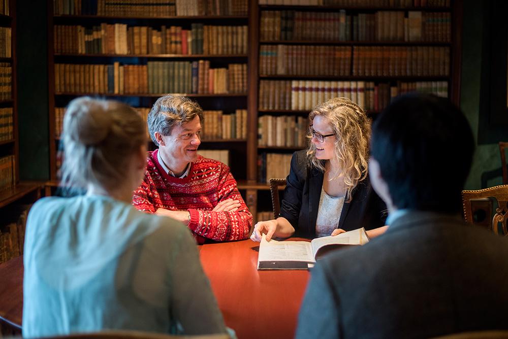 Professor Stephen Harrison and Associate professor Thea Thorsen. Photo