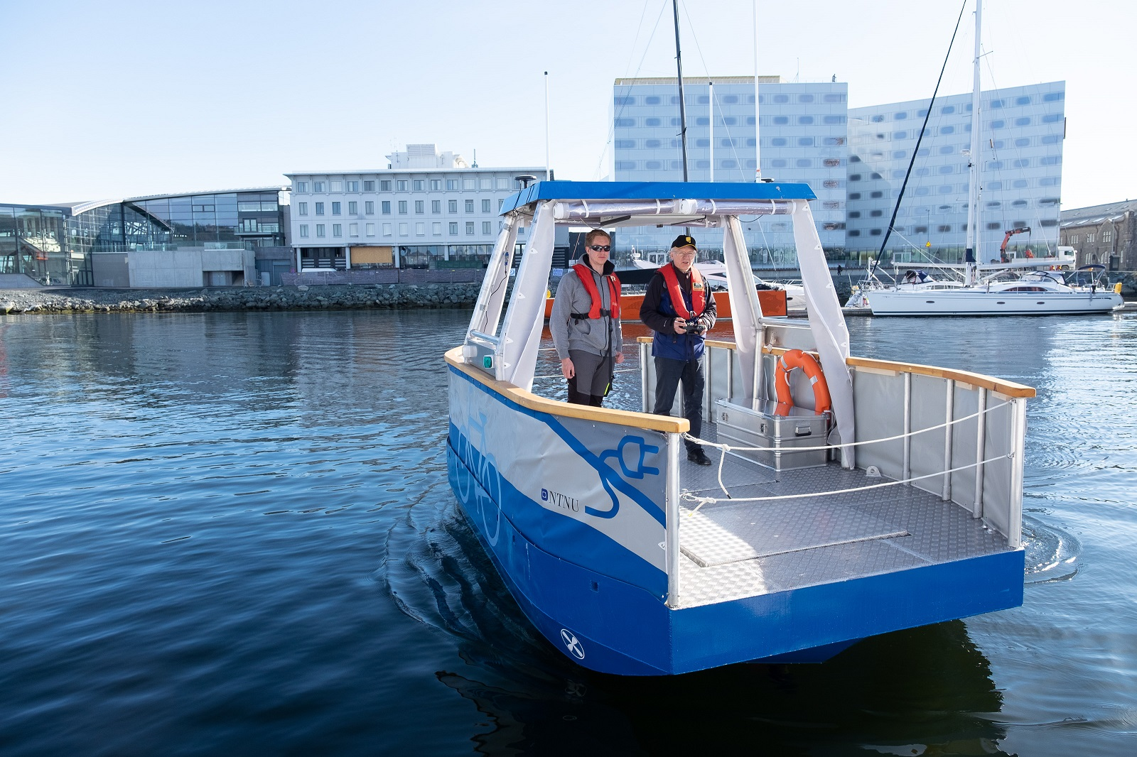 Autonomous pilot ferry for concept testing and to study behaviour of the other boat traffic. Foto: Kai Dragland