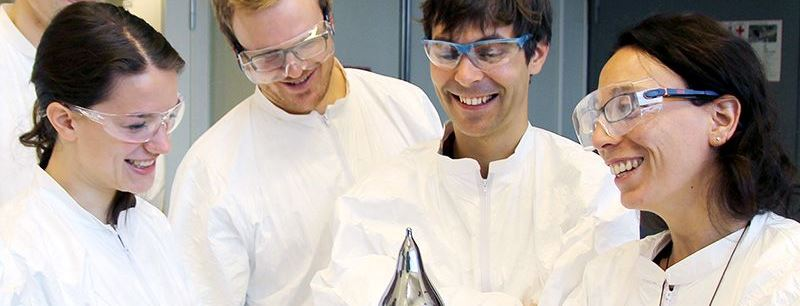 Marisa Di Sabatino in the solar cell lab. Photo: Per Henning, NTNU.