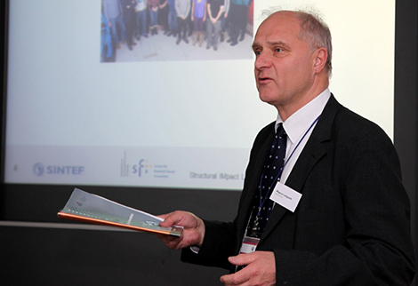 Magnus Langseth presenting the Annual Report for 2012. Photo: Max Malsch