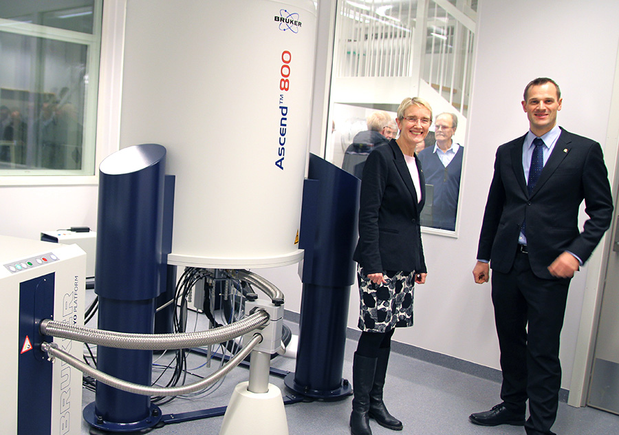 Dean Anne Borg and Finn Aachmann in front of the newly installed Ascend 800 MHz instrument during the opening of the new NMR lab in December, 2015.