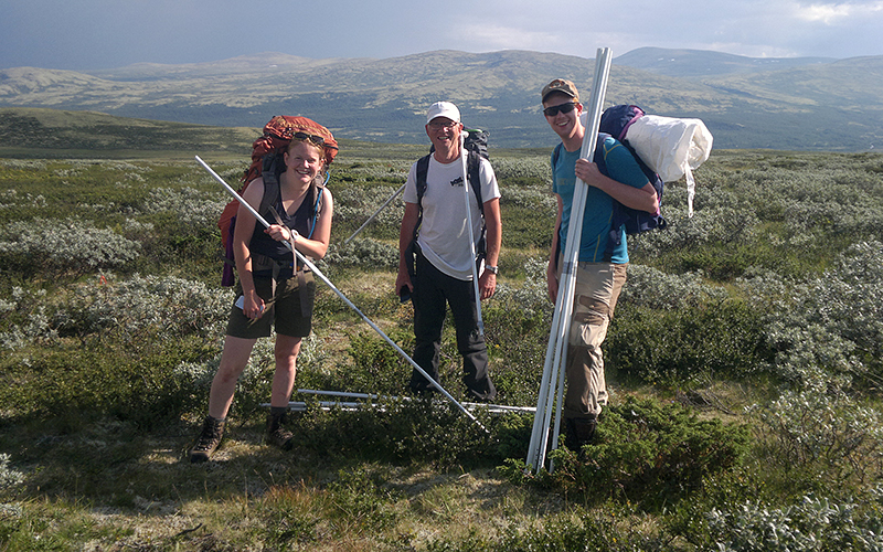 Vegetation team is to start this year vegetation analysis in the willow scrub community, here represented by Kristin Odden Nystuen, Håkon Holien, and Øystein Opedal. Photo: Simone Lang