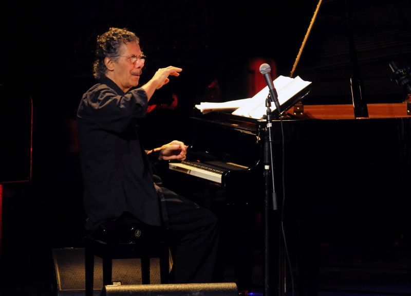 Chick Corea tickles the ivories