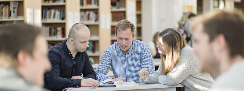Students working - Photo:Elin Iversen/NTNU