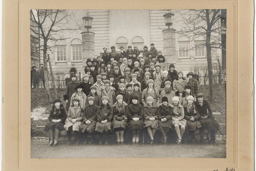 Seventh grade school class of girls from Bispehaugen School, 1930's.
