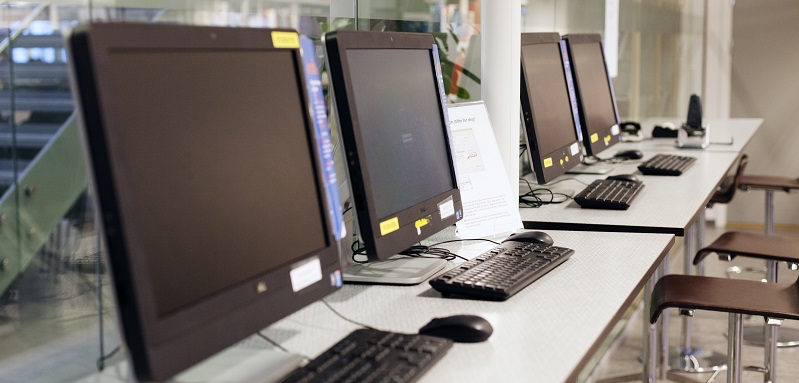 Illustration PC screens Trondheim Business School