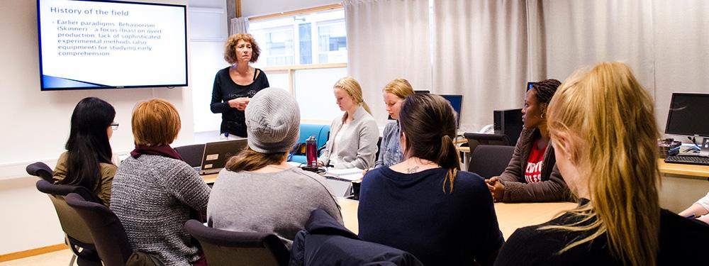 Mila Vuchanova giving a talk to students