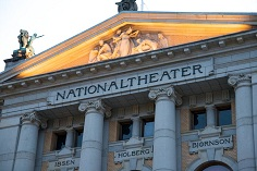 Nationaltheatret. Foto: Alexander Ottesen - Wikimedia commons
