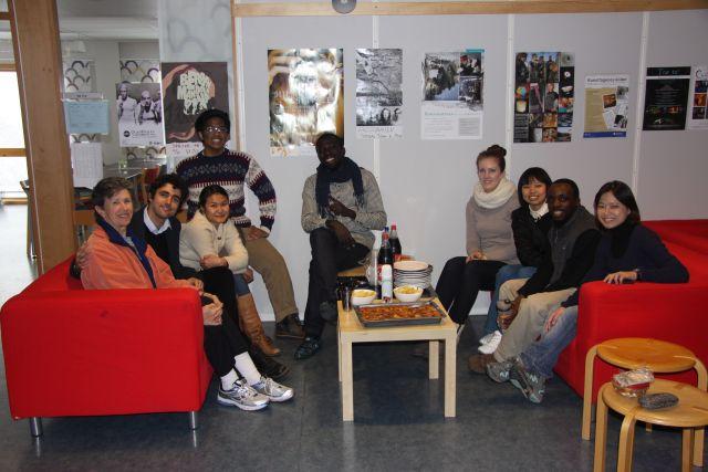 Visiting scholar Judy van Zile with students