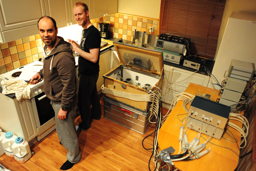 Bernt Rønning and Kenneth Nygård make preparations for the night's metabolic measurements